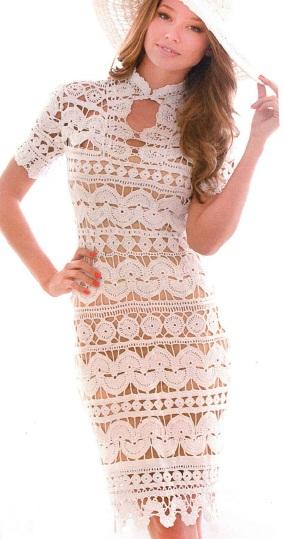 Платье вязаное крючком из кружевных полос