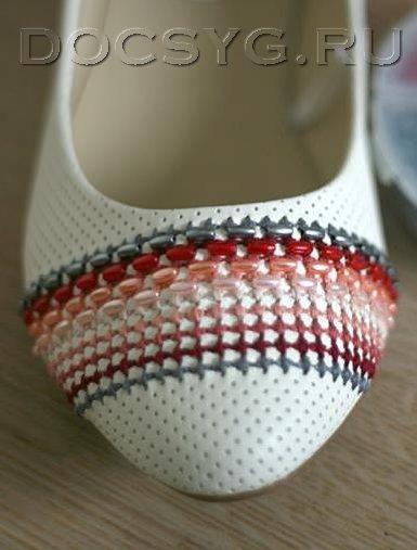 как украсить балетки вышивкой17