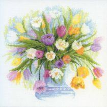 Нежная схема вышивки Весенние тюльпаны