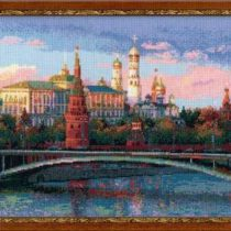 Яркая и интересная схема вышивки Москва