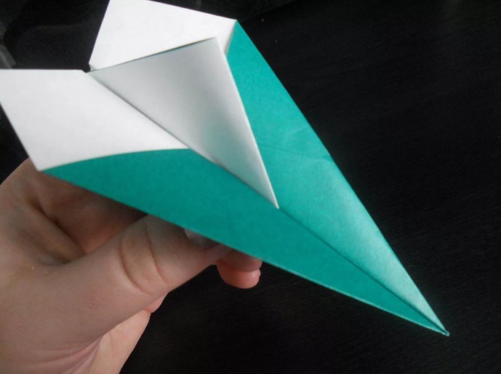 shema-origami-bumazhnyj-samoletik-8