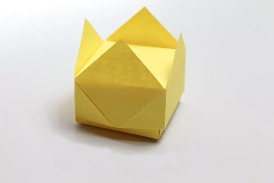 shema-origami-korona-kryshka-ot-korobki-1