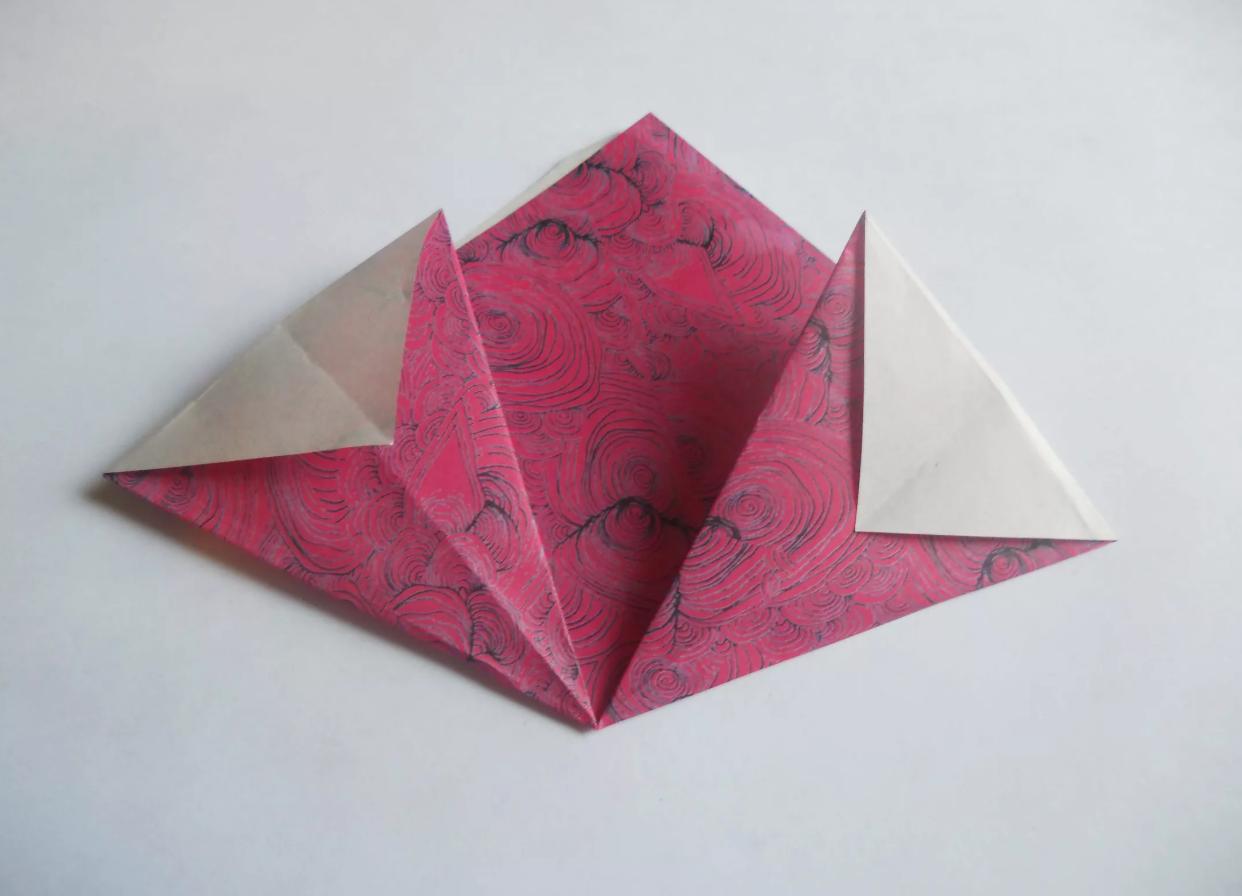 shema-origami-krasivyj-tsvetok-kusudama-5