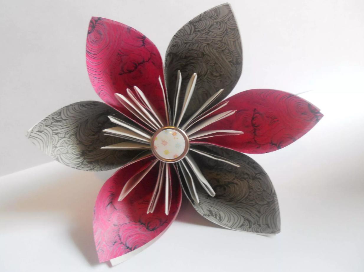 shema-origami-krasivyj-tsvetok-kusudama-7