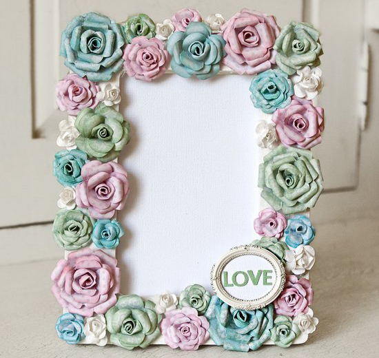 how-to-make-frame-with-paper-flowers1