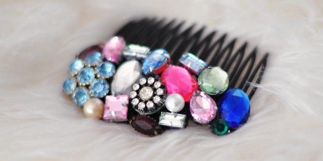 bejeweled_hair_combs_1518092286-e1518092305630