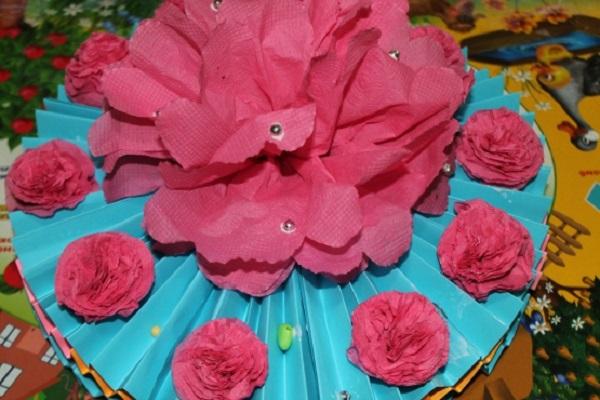 bumazhnij-tort
