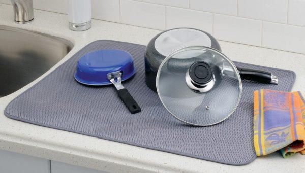 interdesign-idry-kitchen-mat-x-large-1-e1488393036732-600x341